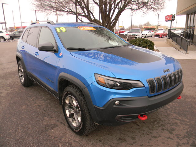 Certified Pre-Owned 2019 Jeep Cherokee Trailhawk 4x4