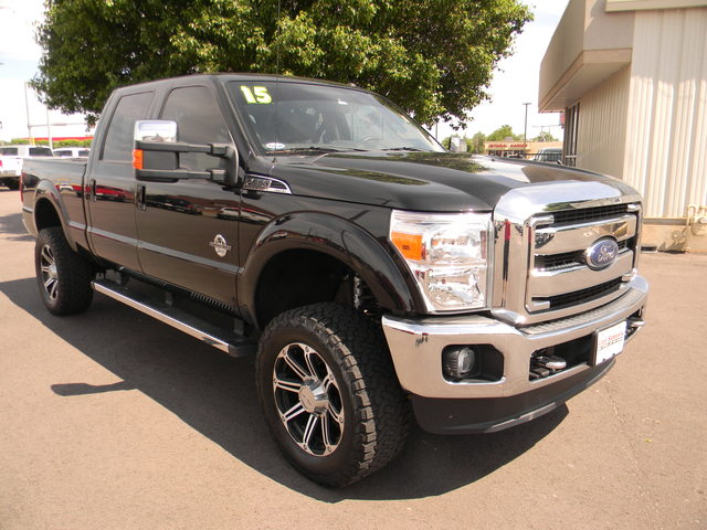 Pre-Owned 2015 Ford Super Duty F-250 SRW 4WD Crew Cab 156 Lariat