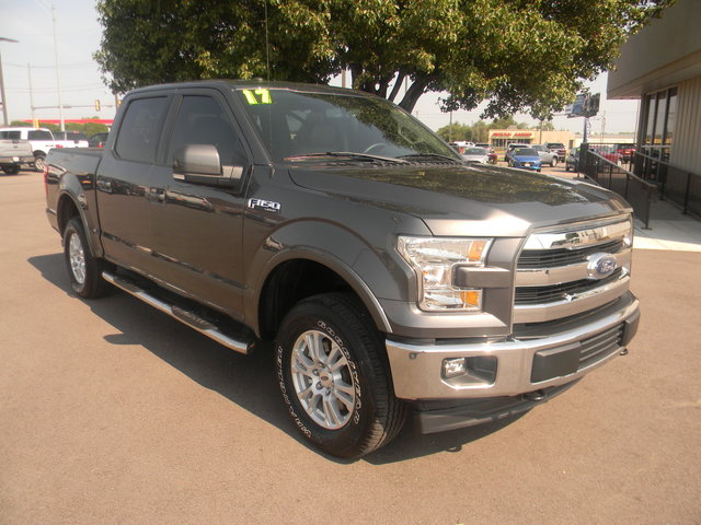 Pre-Owned 2017 Ford F-150 Lariat 4WD SuperCrew 5.5' Box