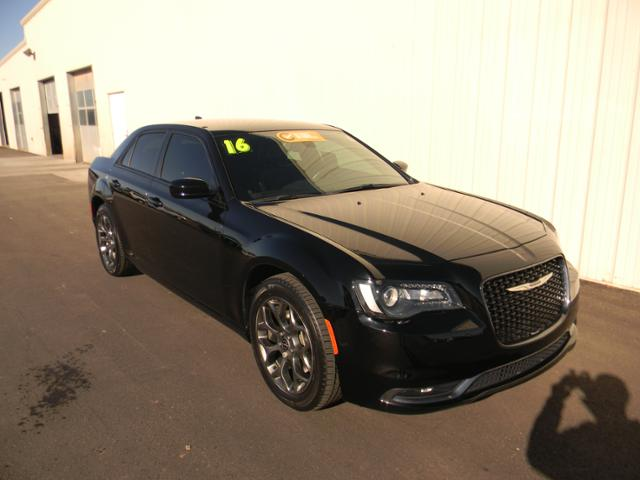 Certified Pre-Owned 2016 Chrysler 300 4dr Sdn 300S AWD