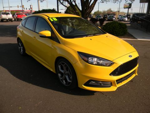 Pre-Owned 2018 Ford Focus ST Hatch
