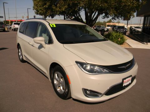 Certified Pre-Owned 2017 Chrysler Pacifica Touring-L Plus FWD
