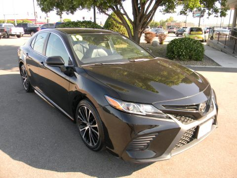 Pre-Owned 2019 Toyota Camry SE Auto FWD 4dr Car