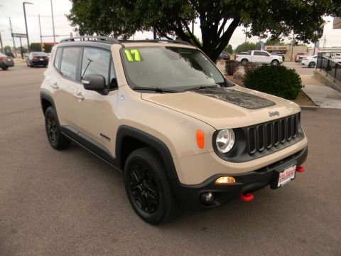 2017 Jeep Renegade Deserthawk 4x4 *Ltd Avail*